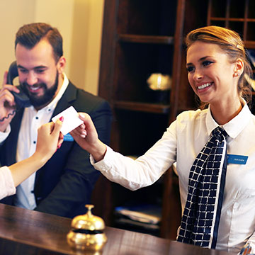 What is the check-in policy at Comfort Inn & Suites St. Louis – Chesterfield?